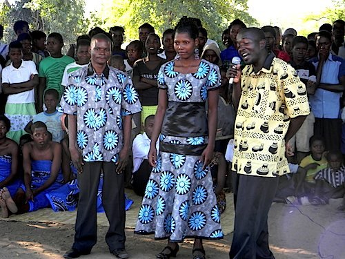 71212malawi_wedding_couple